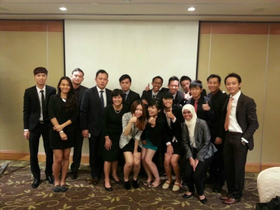 Redwoods_Advance_Singapore_National_Leaders_Workshop_at_Traders_Hotel_Thumbs_Up